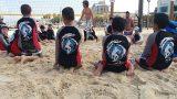 יושבים בחול